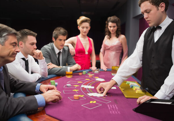 Should You Gamble in Traditional or Online Casinos?